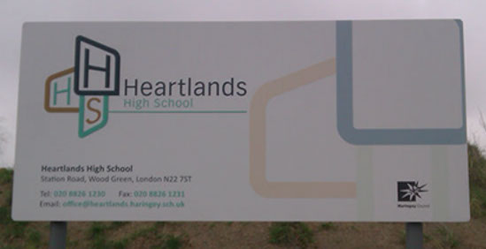 Freestanding sign with fully printed face